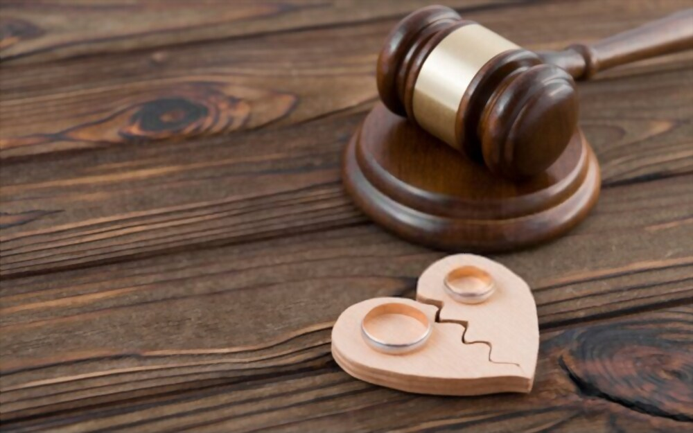 single-Significance of Hiring Divorce Lawyers for Protecting Your Rights